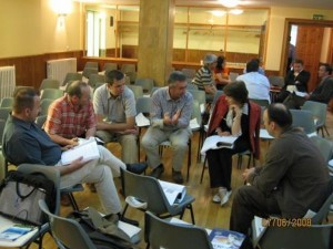 Discutii în grupe mici